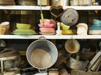 Used kitchen wares for sale at thrift shop.