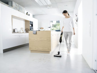 VC_5_cordless_white_hard_floor_app_1_CI15_96 dpi (jpg)