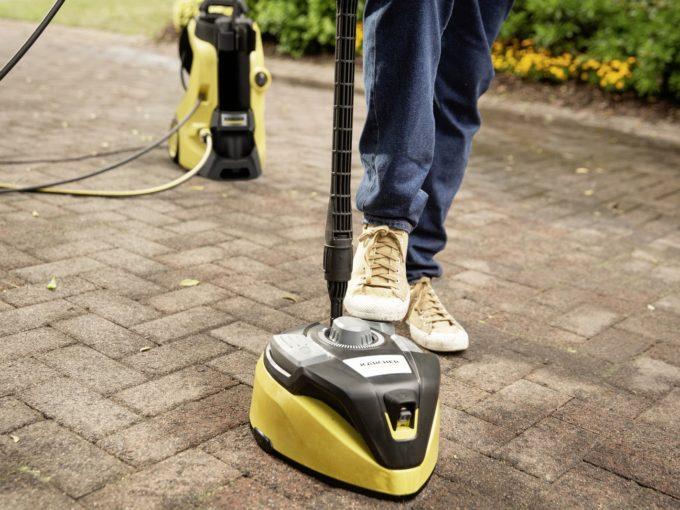 Jarní čištění zámkové dlažby: vraťte lesk vašemu chodníku